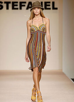 Stefanel Striped Dress with One-Tone Hat