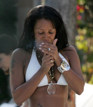 Melanie Brown Smoking