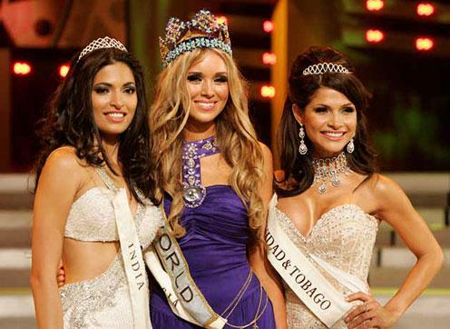 Kseniya Sukhinova, Parvathay Omanakuttan and Gabrielle Walcott