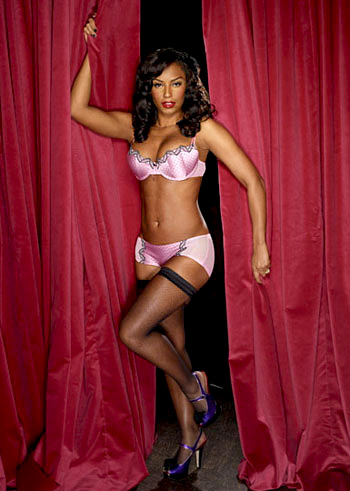 Melanie Brown in Ultimo Lilac Lingerie