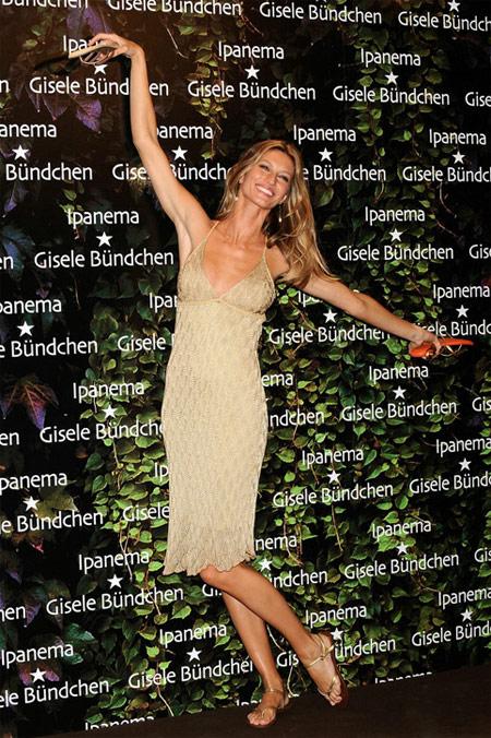 Giselle Bundchen Ipanema Flip-flops Presentation