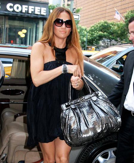 Jeniffer Lopez with Zagliani Handbag