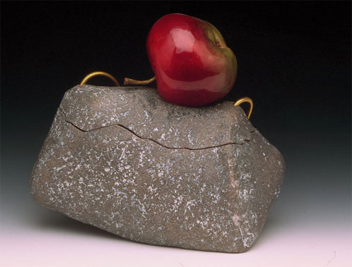 Kathleen Dustin Apple Bag