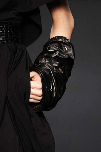 Karl Lagerfeld Glove-Looking Oversleeves