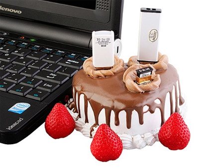 Strawberry Cake USB Hub