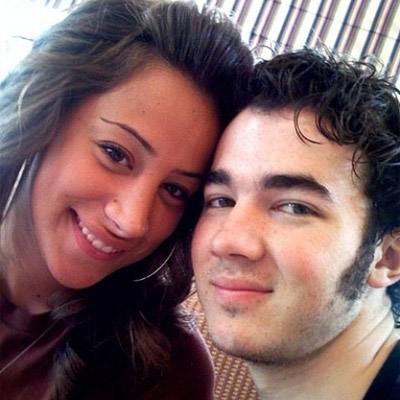 http://geniusbeauty.com/wp-content/uploads/2009/07/Kevin-Jonas-and-Danielle-Deleasa.jpg