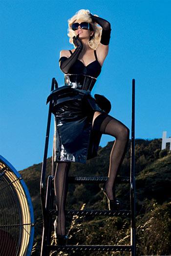 Lindsay Lohan - Rubia Explosive