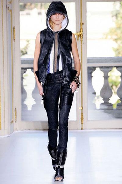 Fashion Week Balenciaga Collection