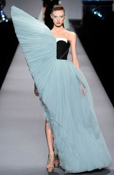 Viktor & Rolf Spring/Summer 2010 Paris Fashion Week