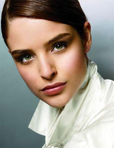 Laura Mercier Spring 2010 Makeup