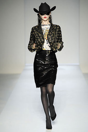 Moschino Collection 2010-2011