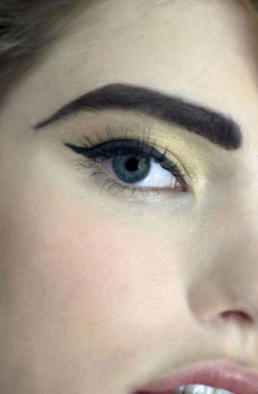 Chanel Ombre Duo Makeup