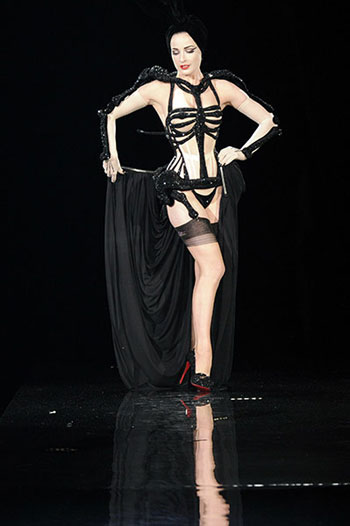 Dita Von Teese show Jean Paul Gaultier