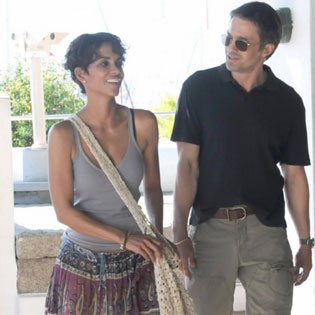 Halle Berry and Olivier Martinez in Paris