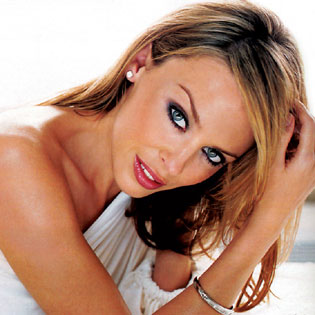 Kylie Minogue used to be together with Jean-Claud Van Damme