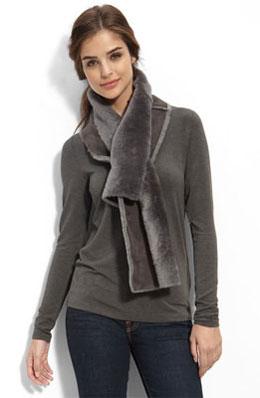 Fashionable fur scarf