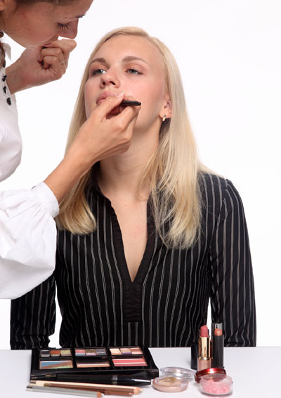 Free Makeup Courses For Unemployed French Women