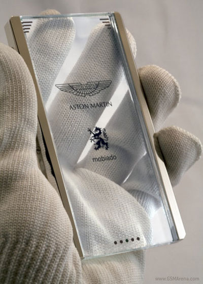 CPT002 cell phone by Mobiado and Aston Martin