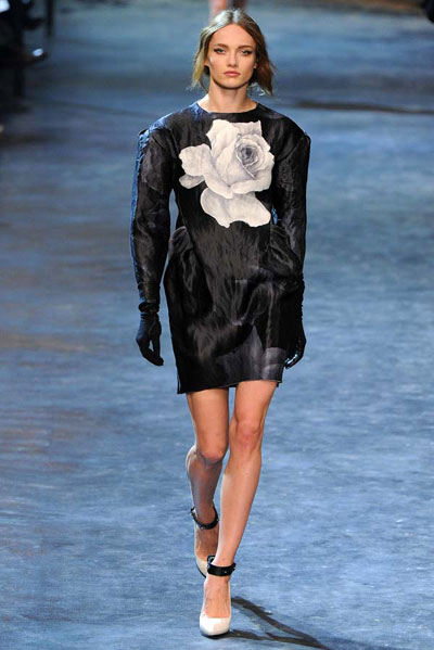 Lanvin Fall-Winter 2011 Collection at Paris Fashion Week ...
