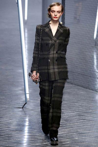 Paris Fashion Week: Sonia Rykiel Collection 2011