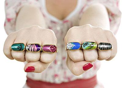 Isla Taylor: Acrylic Nail jewelry