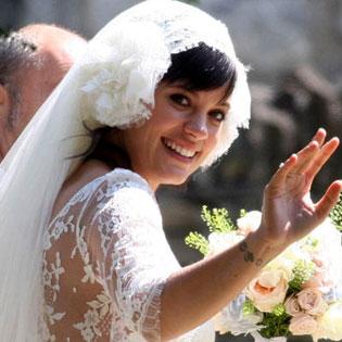 http://geniusbeauty.com/wp-content/uploads/2011/06/Lily-Allen-wedding.jpg