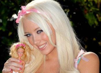 Laura Vinicombe in Barbie style