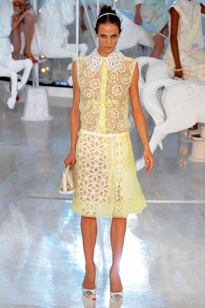 Paris Fashion Week: Louis Vuitton Spring-Summer 2012 Collection