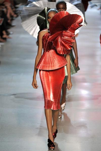 Paris Fashion Week: Paco Rabanne Collection