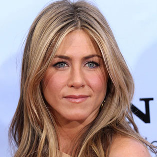 Jennifer Aniston to Wed Justin in Victoria Beckham Gown