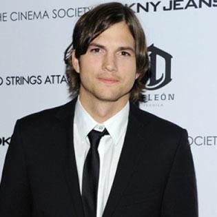Ashton Kutcher hads a new girlfriend