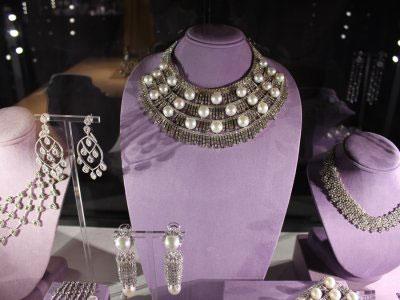 Elizabeth Taylor jewels sold
