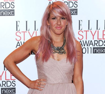 Pink hair of Ellie Goulding
