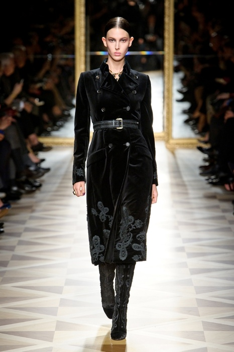 http://geniusbeauty.com/wp-content/uploads/2012/05/SalvatoreFerragamo_military_collection8.jpg