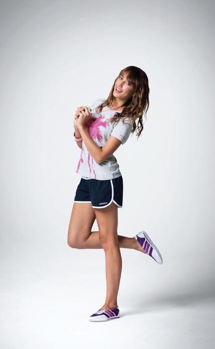 adidas short girl