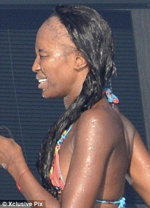 Naomi Campbell Suffers from Hair Fall