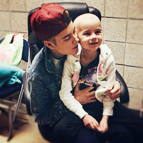 Justin Bieber Visiting a Cancer Patient-Fan