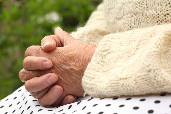old-woman-granny-grandmother-hands-age