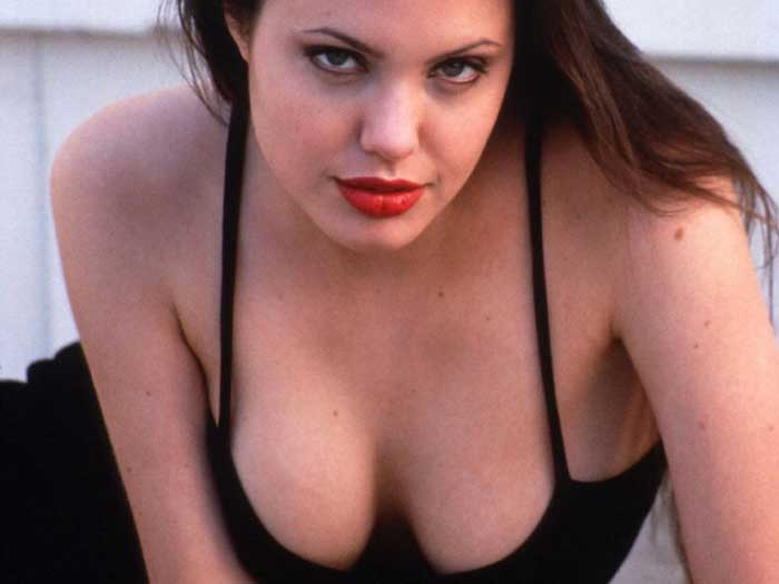 angelina_jolie_new-boobs