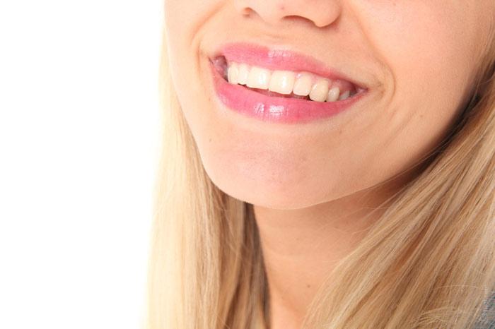 700-teeth-toothe-white-dentist-smile