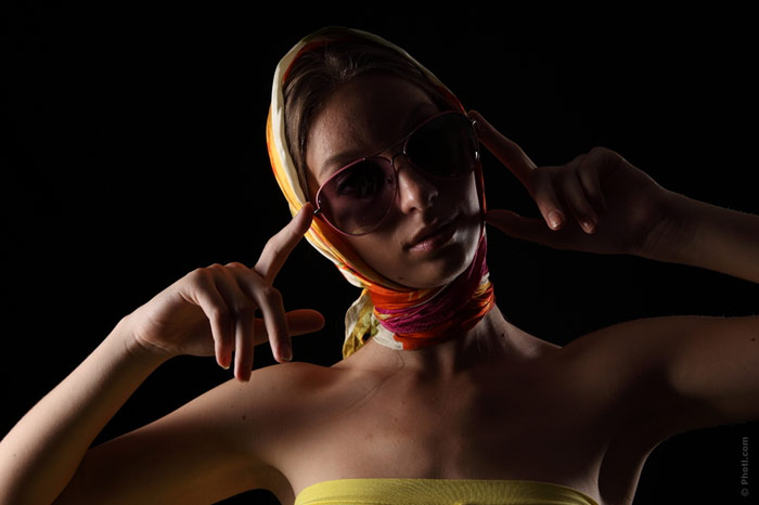 700-eyeglasses-glasses-style-fashion-darkness-evening-woman-face-vamp