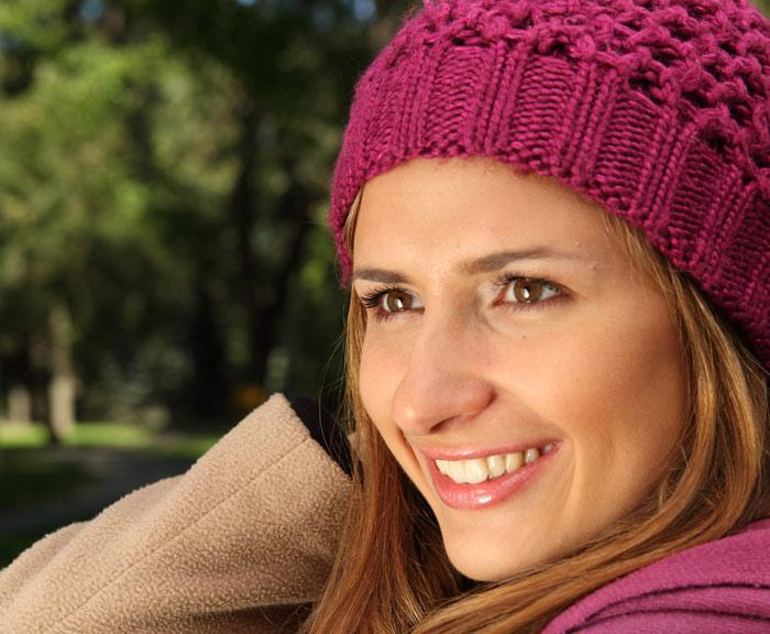 700-fashion-hat-headwear-woman-face-smile