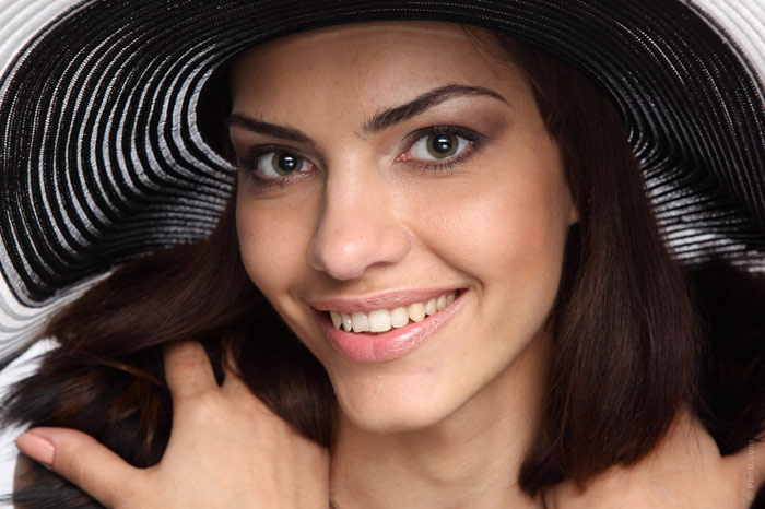 700-hat-headwear-woman-beauty-face-makeup
