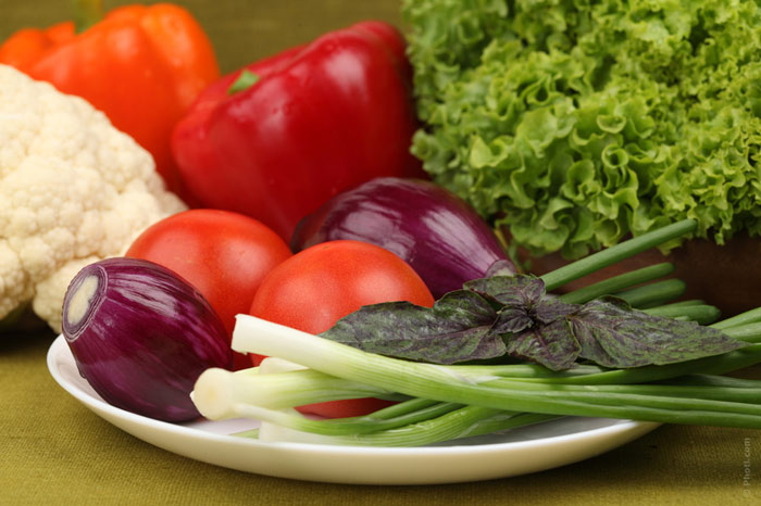 700-vegetables-veggies-carrots-salad-kale-basil-onion-eat-food