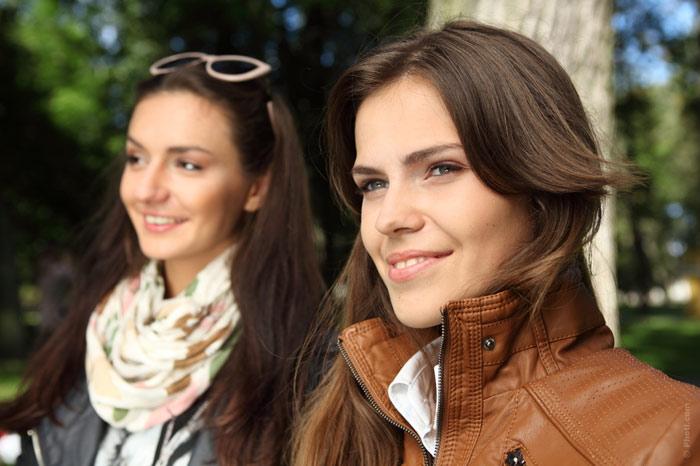 700-friends-relationships-women