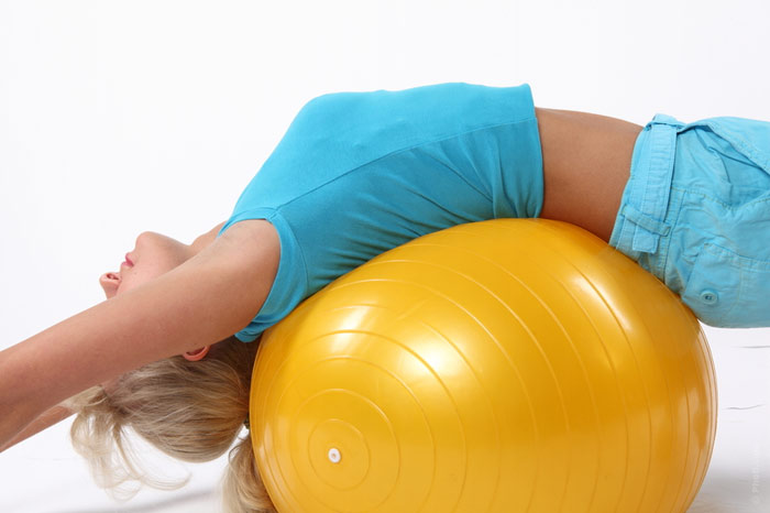 700-gym-workout-pilates-fitness-ball-exercise