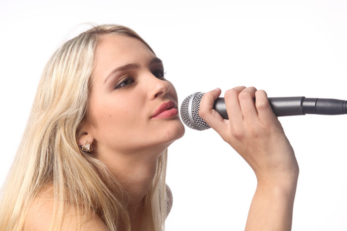 700-song-voice-singing-woman-beauty-microphone-host