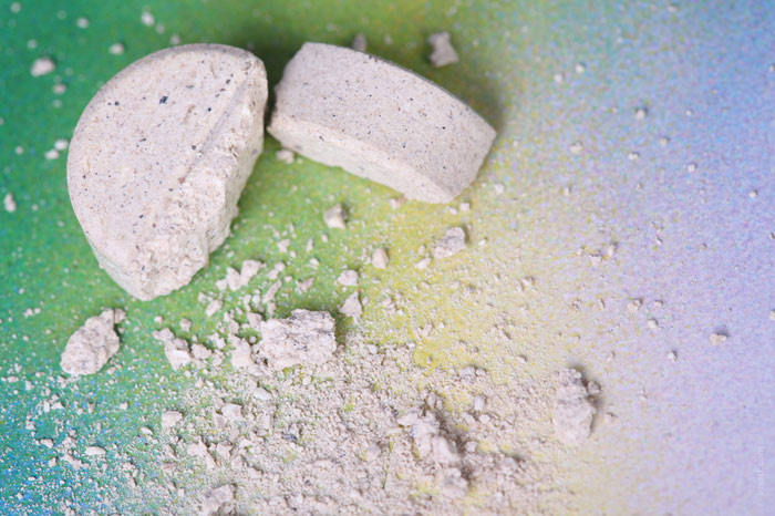 700-tablets-medicine-pills-disease-treatment