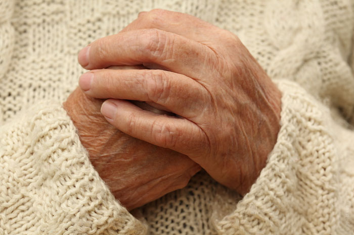 old-hands-age-aging