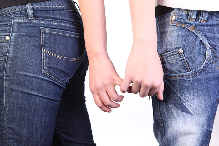 700-couple-marriage-love-divorce-hands